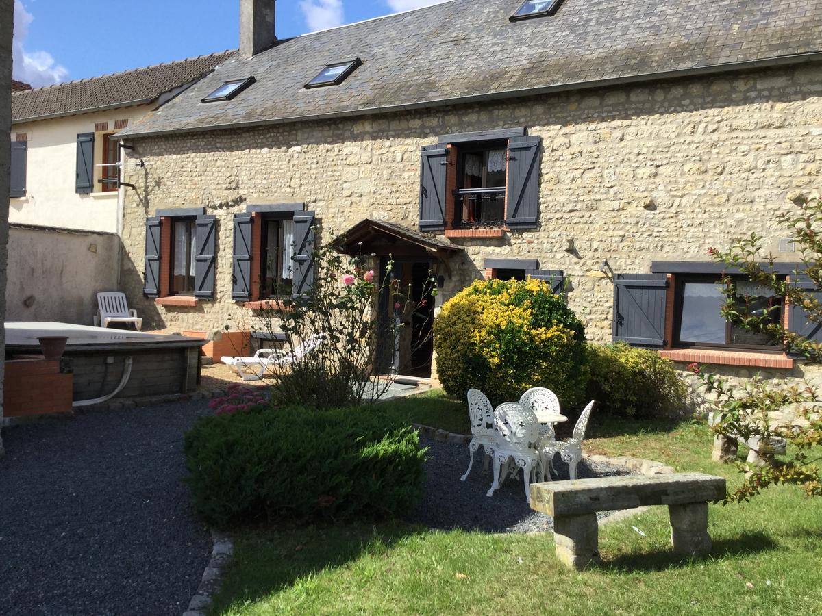 Vacation Home L'escale Des Hirondelles, Engenville, France ... intérieur Piscine Montville