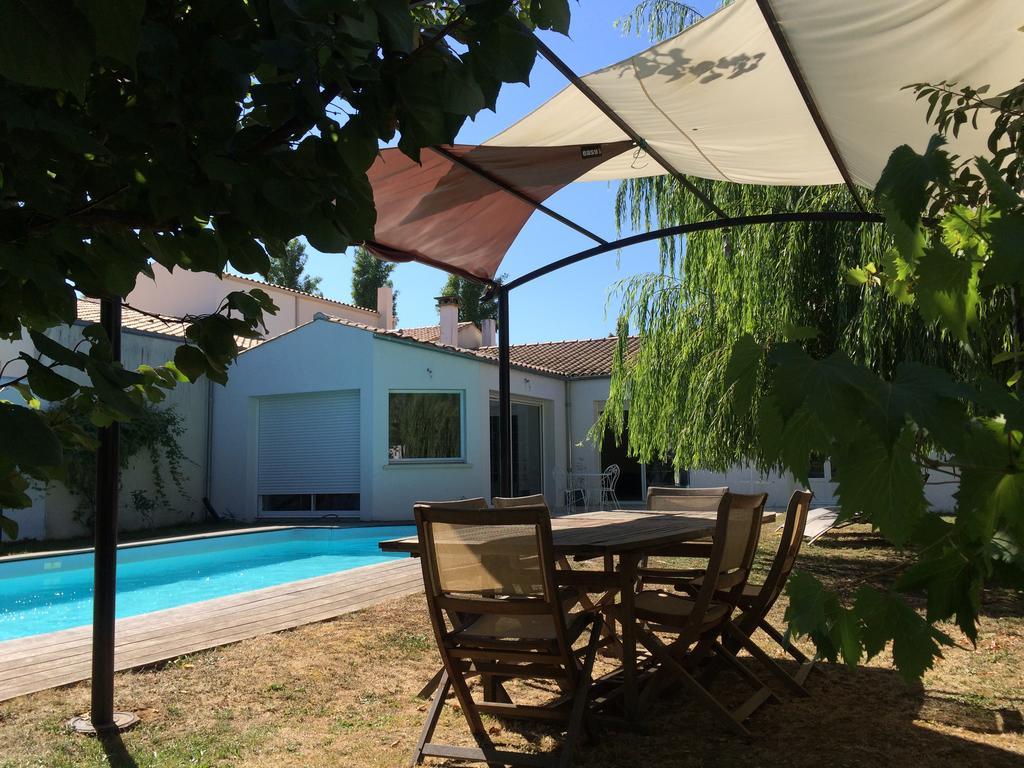 Vacation Home Maison De Charme, Lagord, France - Booking avec Piscine De La Rochelle