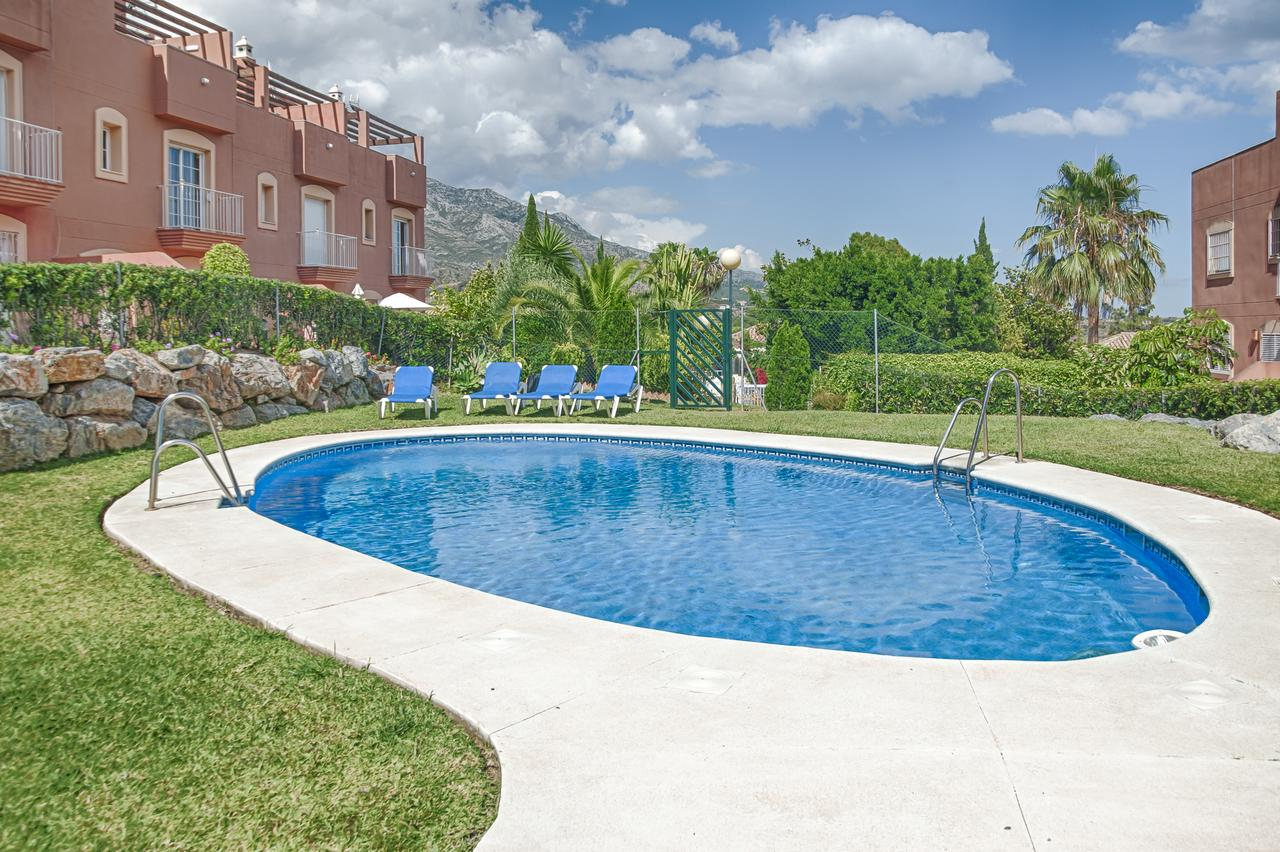 Vacation Home Townhouse In Aloha, Marbella, Spain - Booking tout Aloha Piscine