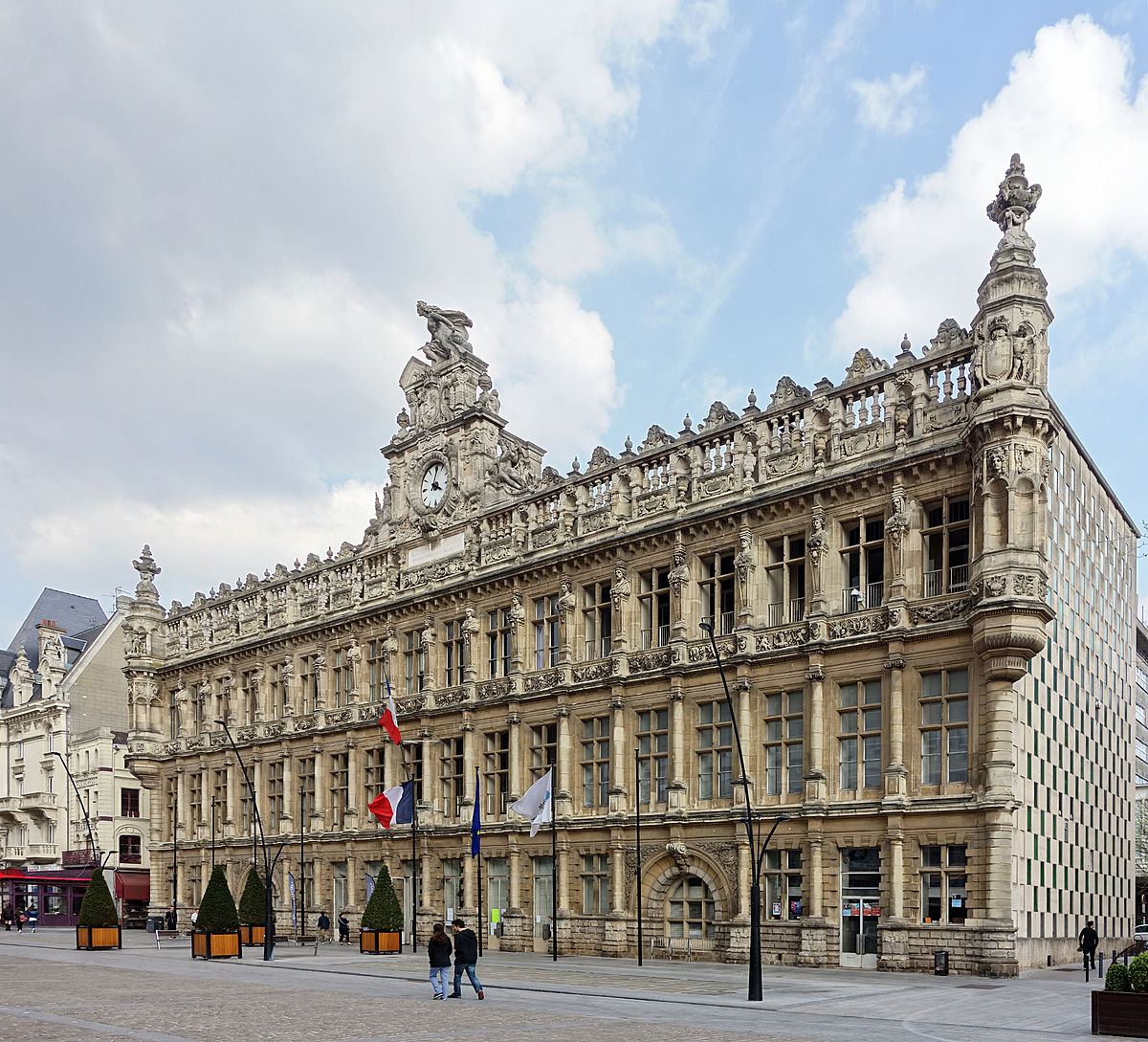 Valenciennes — Wikipédia concernant Piscine St Saulve
