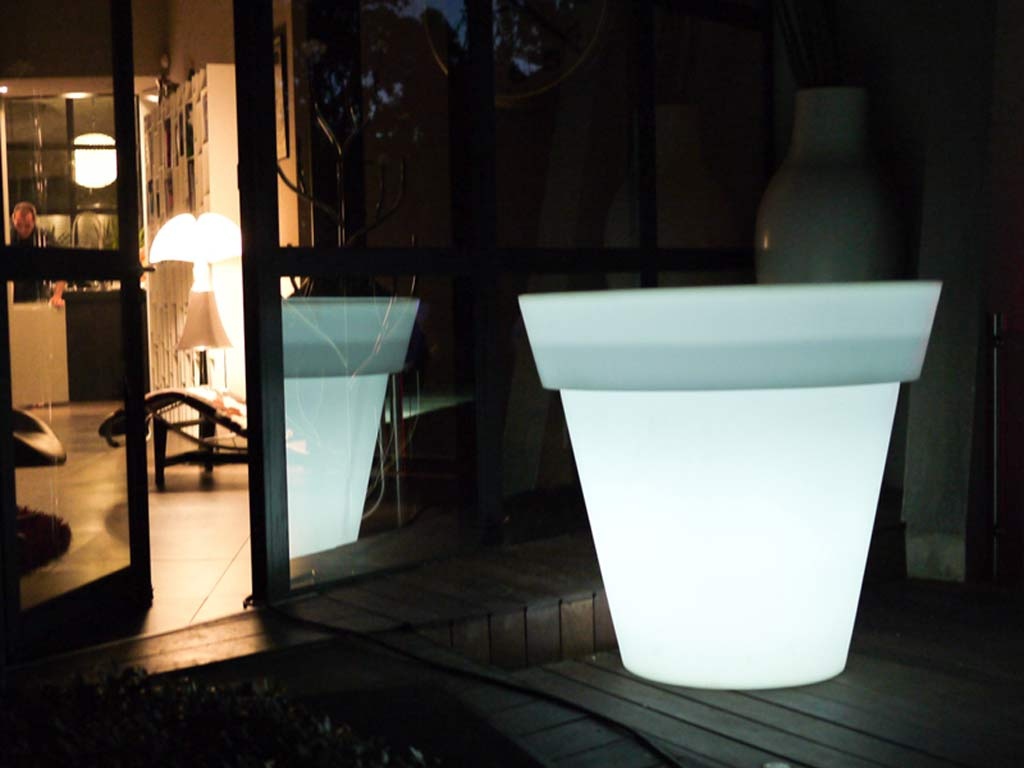 Vase Lumineux Filaire Loon Lagoon Ø120X100Cm Pour Piscine Et Jardin dedans Loon Piscine