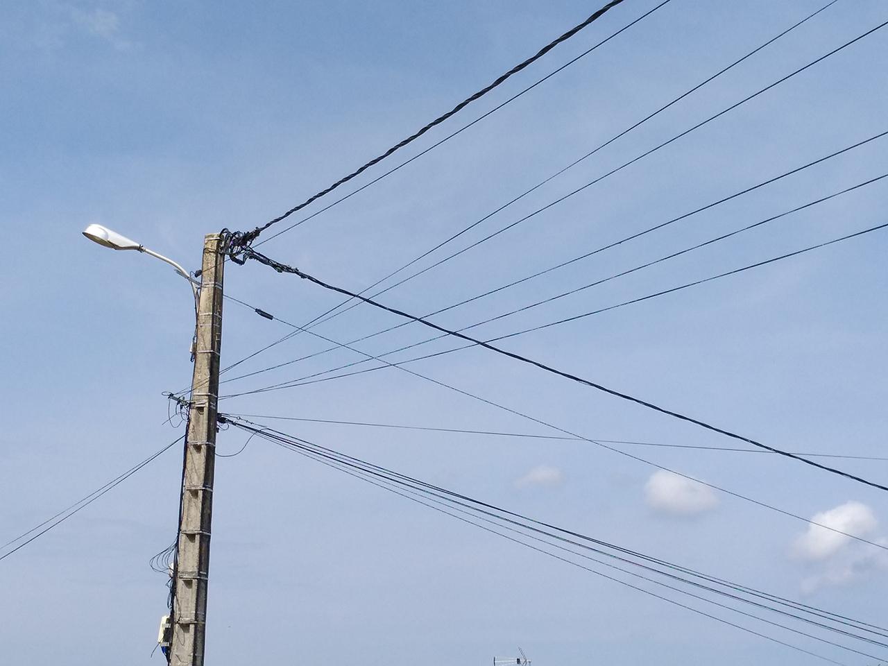 Vaugneray : Ils Détournaient Des Lignes Téléphoniques Et ... intérieur Piscine Vaugneray