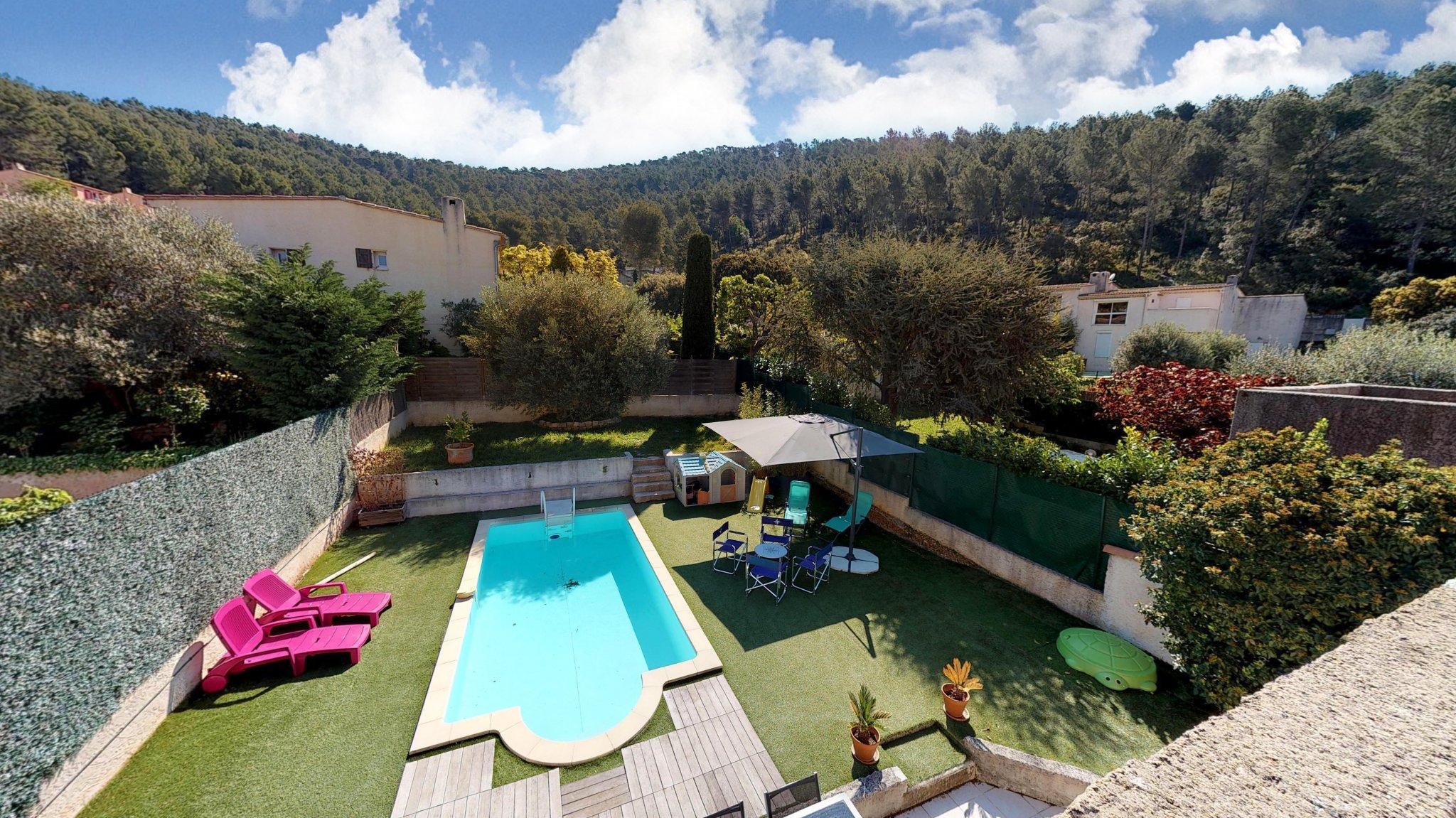 Vendu - Gemenos - Superbe Villa Mitoyenne Type5 De 135M² - Terrain 413M²  Avec Piscine pour Piscine De Gemenos