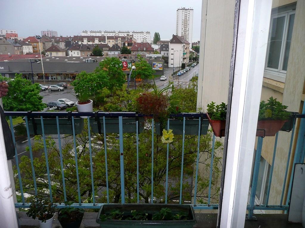 Vente Appartement 2 Pièces 45 M² Metz (57) - 72 000 € - A ... concernant Piscine Maizieres Les Metz