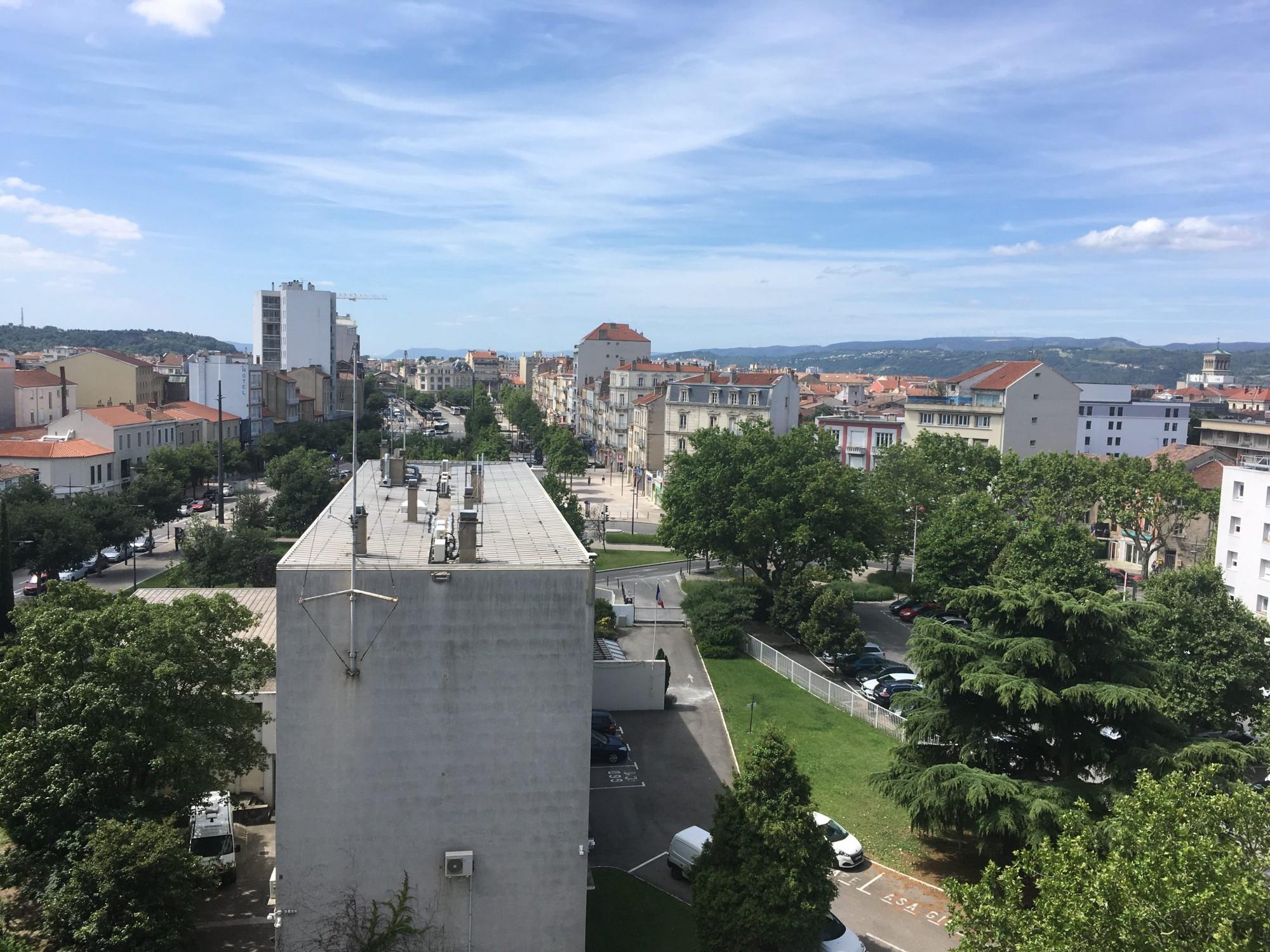 Vente D'appartement Avec Terrasse Ou Balcon Saint-Péray ... intérieur Piscine Saint Peray