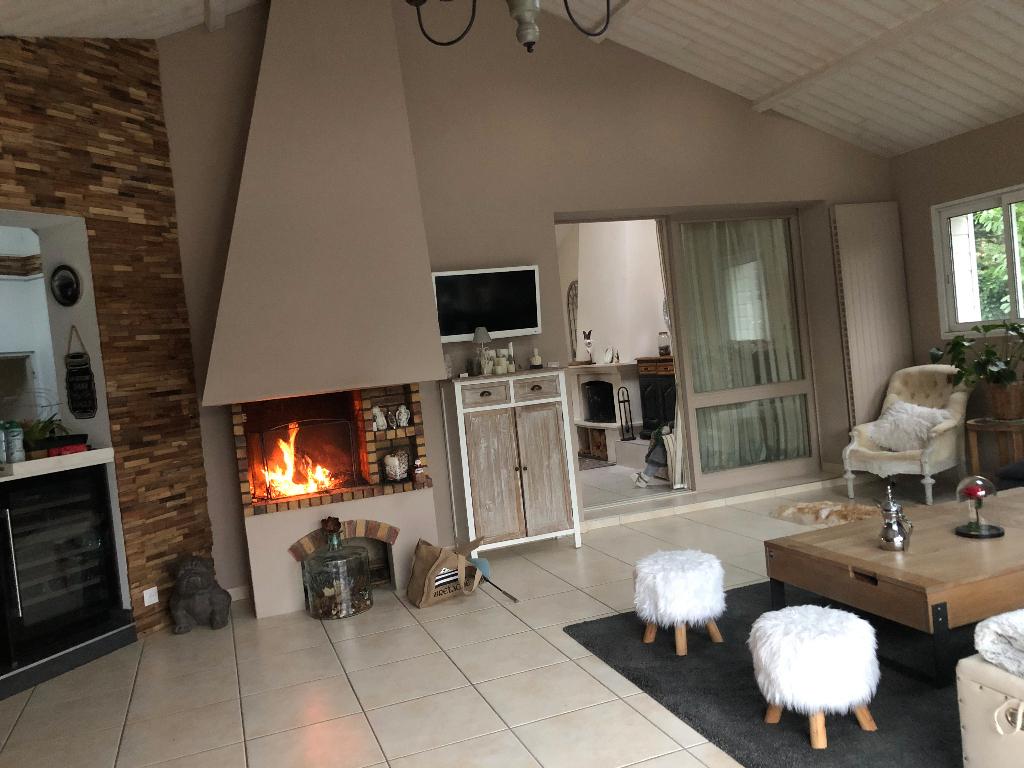 Vente Maison 236 M² Basse-Goulaine (44115) avec Piscine Basse Goulaine