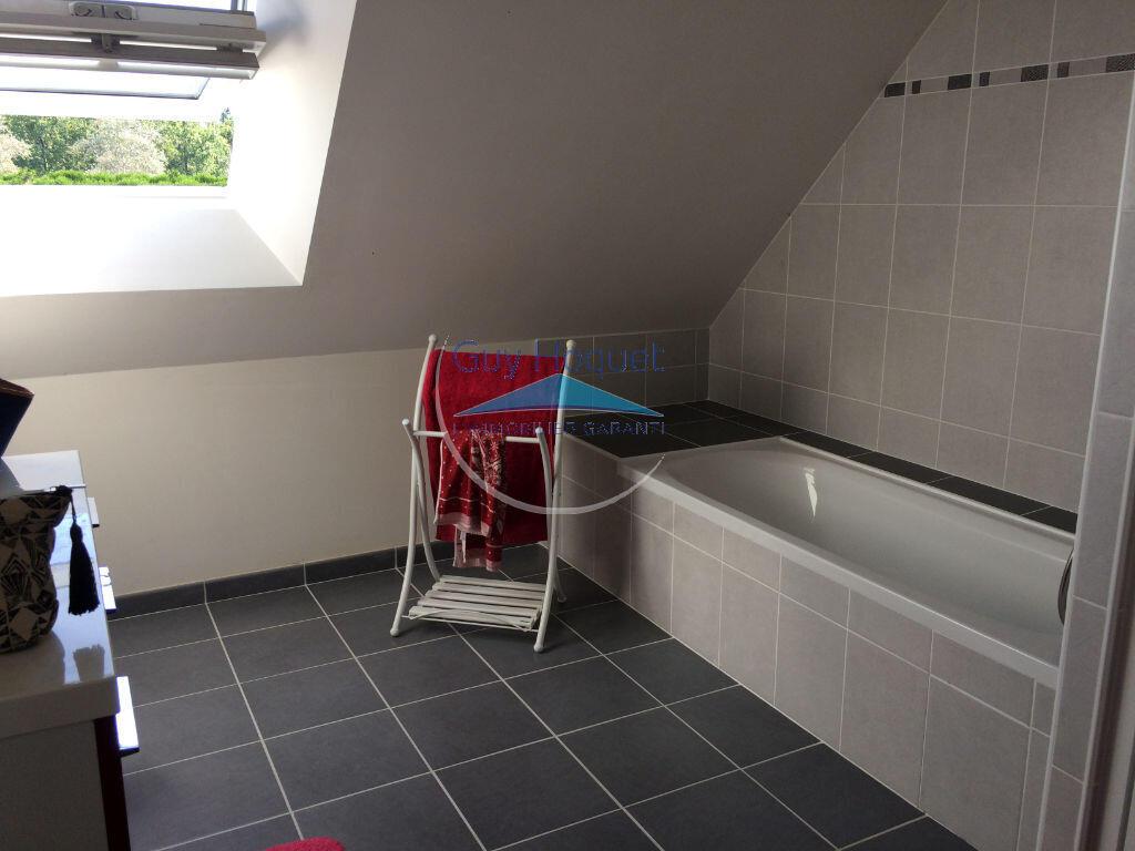 Vente Maison 7 Pièces Questembert (56230) : À Vendre 7 Pièces / T7 203 M²  399 000€ Questembert intérieur Piscine De Questembert