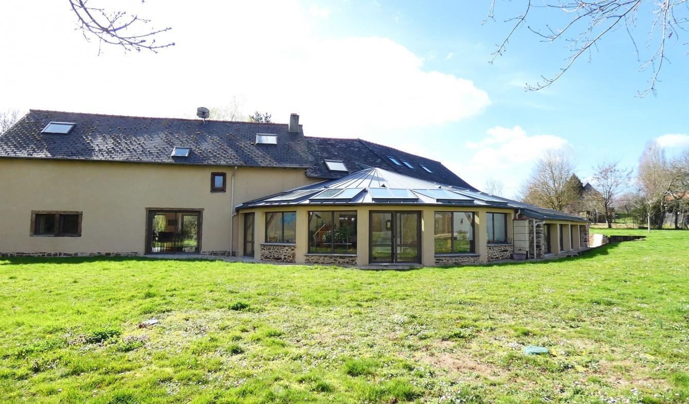 Vente Maison De Luxe Melesse | 749 999 € | 397 M² encequiconcerne Piscine Cesson Sevigne