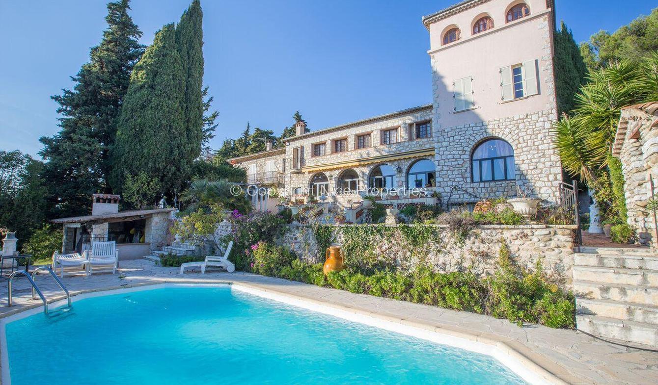 Vente Maison De Luxe Saint-Laurent-Du-Var | 3 500 000 € | 800 M² avec Piscine Saint Laurent Du Var