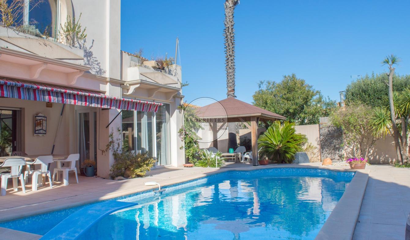 Vente Maison De Luxe Sète | 720 000 € | 346 M² concernant Piscine Sete