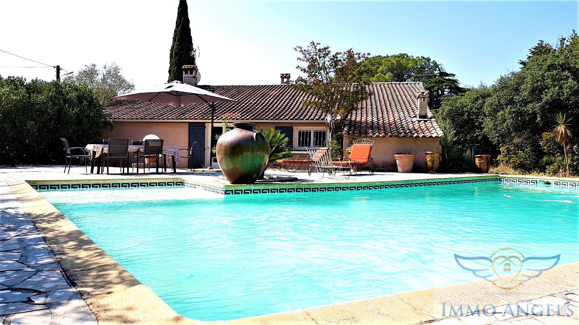 Vente Nîmes, Maison De 230M², Terrain 2300M², Piscine avec Piscine Montfavet