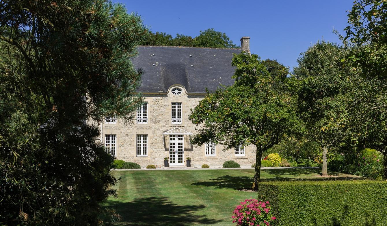 Vente Propriété De Luxe Bayeux   1 150 000 €   335 M² tout Piscine Bayeux