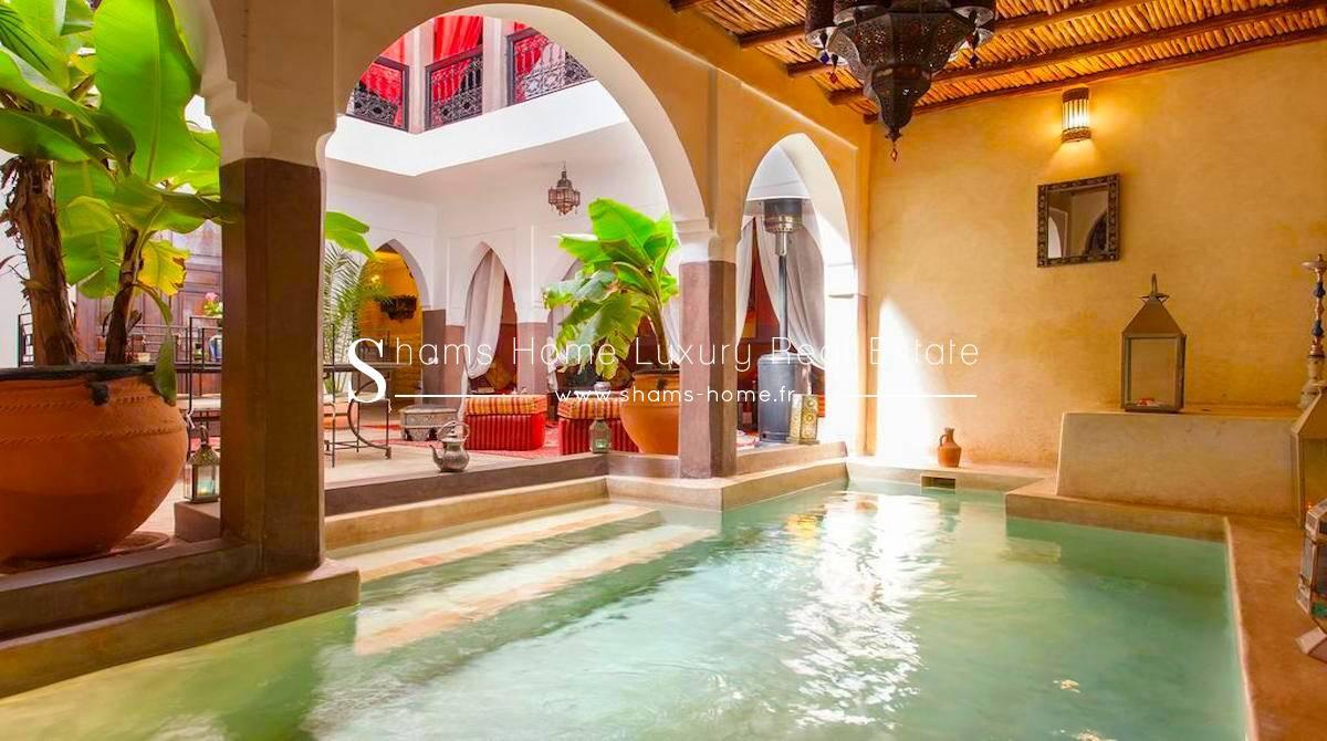 Vente Riad En Exploitation Avec Piscine À Marrakech - Réf ... destiné Riad Marrakech Avec Piscine