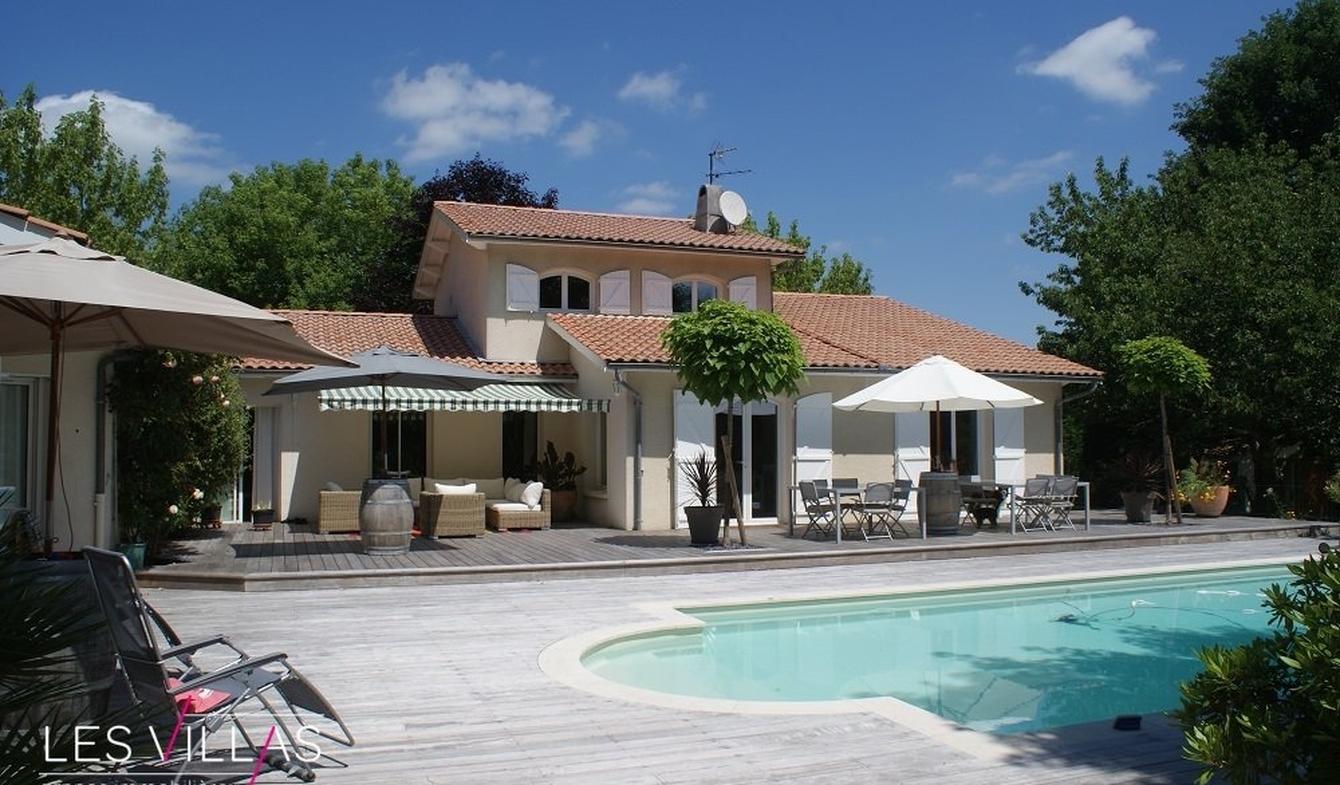 Vente Villa De Luxe Blanquefort | 747 000 € | 250 M² destiné Piscine Blanquefort