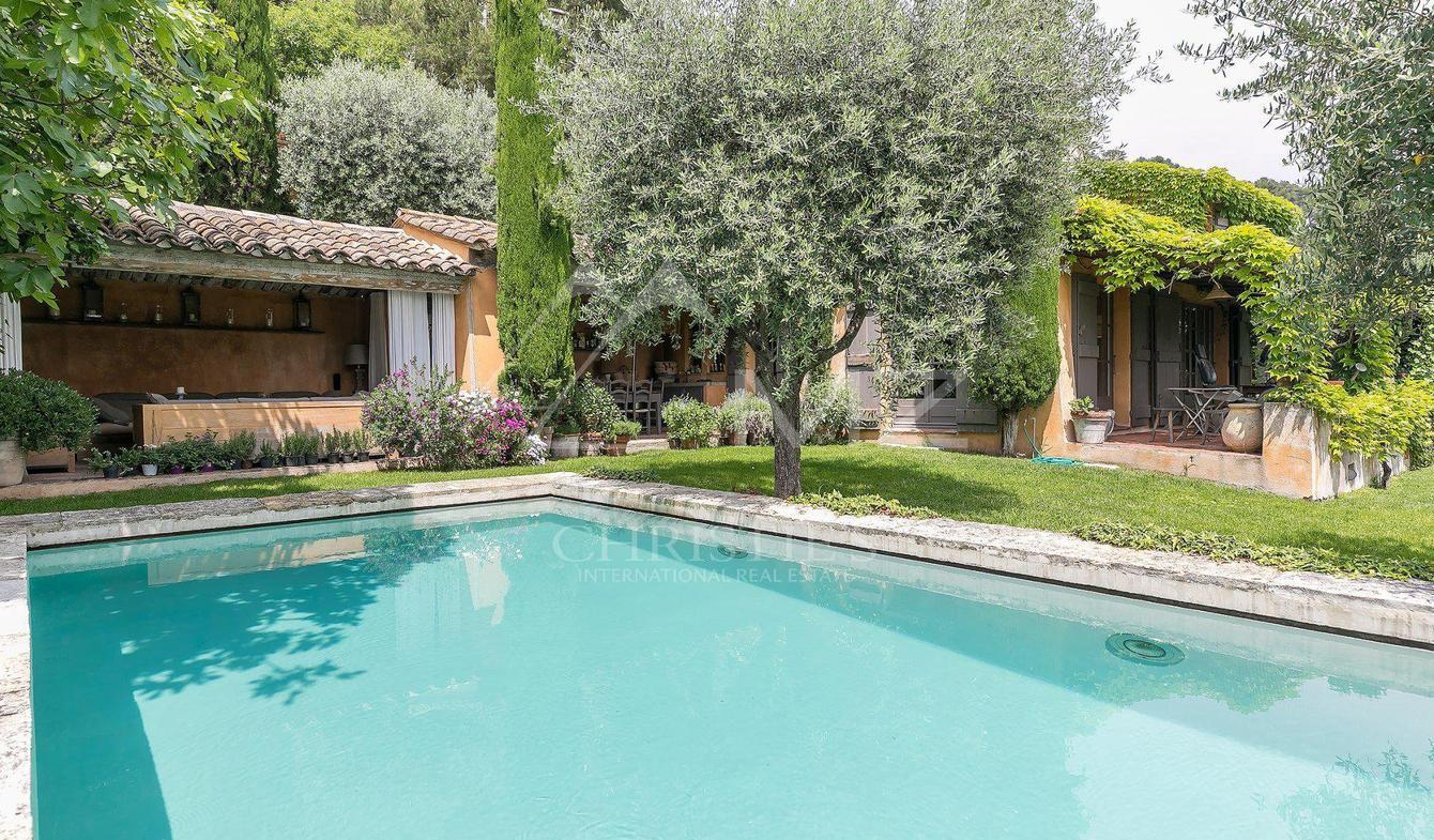 Vente Villa De Luxe La Colle-Sur-Loup   1 880 000 €   170 M² encequiconcerne Piscine La Colle Sur Loup