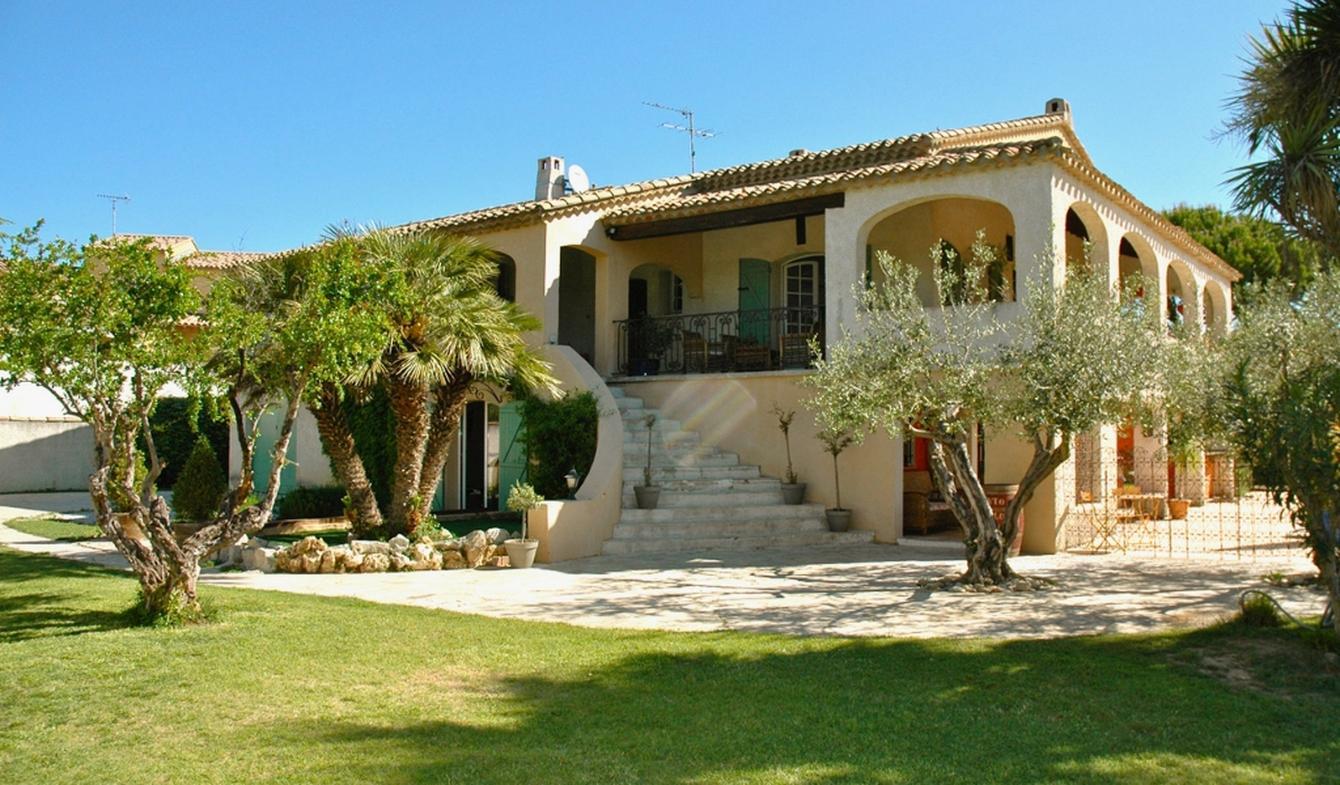 Vente Villa De Luxe Lansargues | 590 000 € | 258 M² concernant Piscine Lansargues