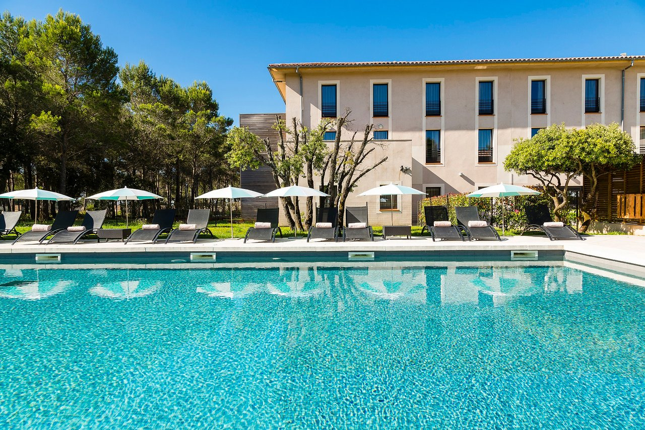 Very Nice But ... - Review Of Hotel & Spa Du Castellet, Le ... tout Piscine Atlantides