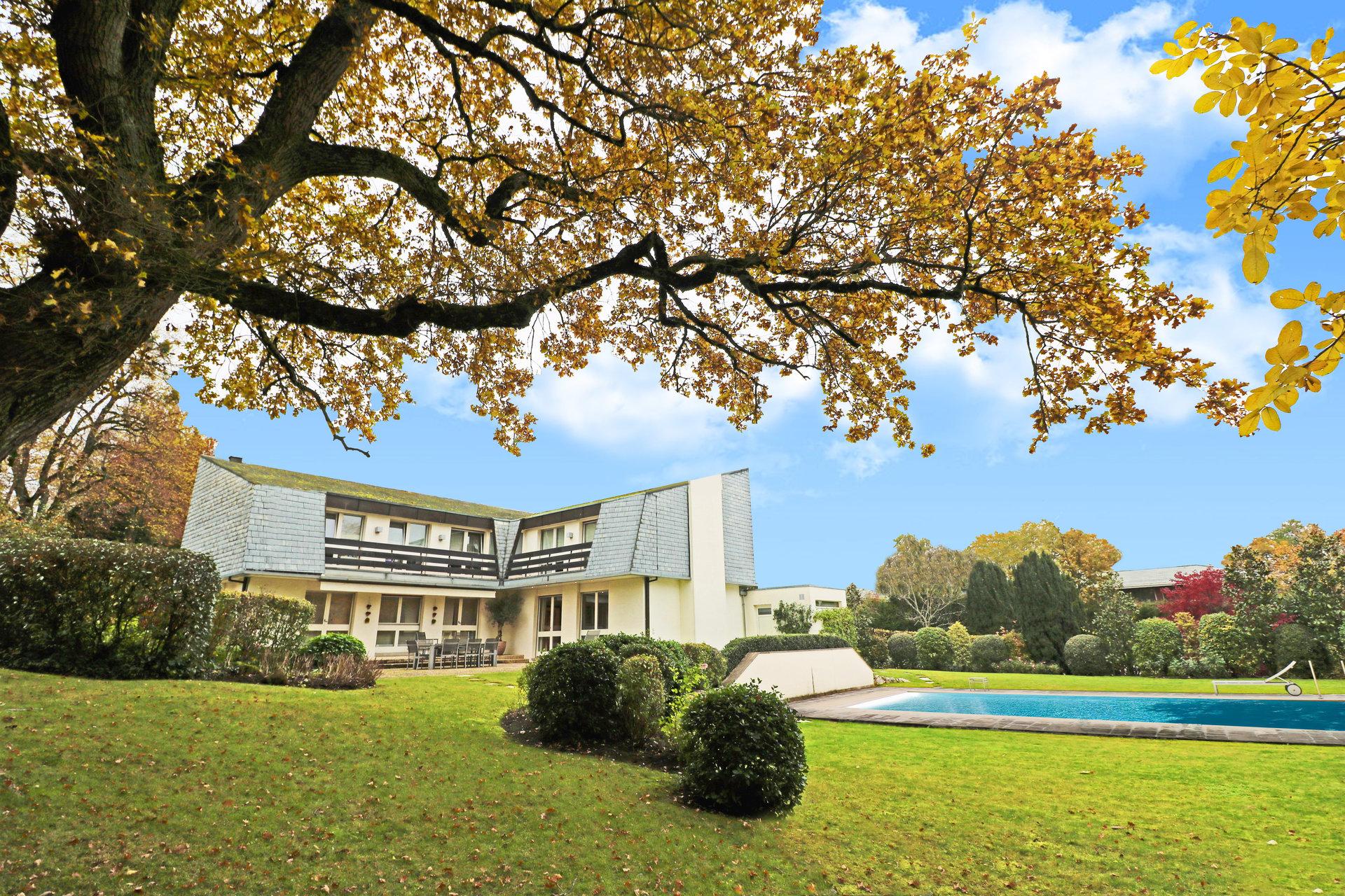 Villa 11 Pièces 4 Chambres 400 M² Vandoeuvres | Bernard-Nicod dedans Piscine De La Hardt
