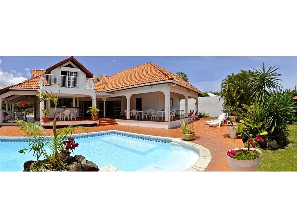 Villa À Sainte Luce Ref M125 - 5 Chambres Piscine Privée - Sainte-Luce serapportantà Hotel Piscine Privée