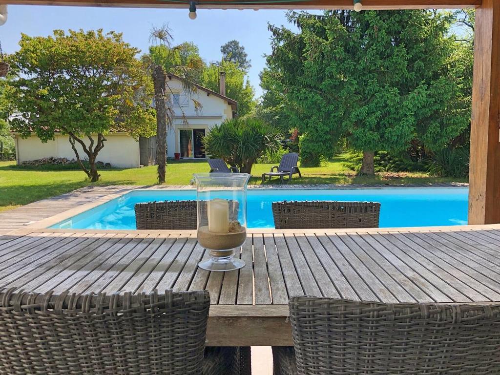 Villa Aux Portes De Bordeaux Au Calme Avec Piscine, Eysines ... serapportantà Cash Piscine Bordeaux