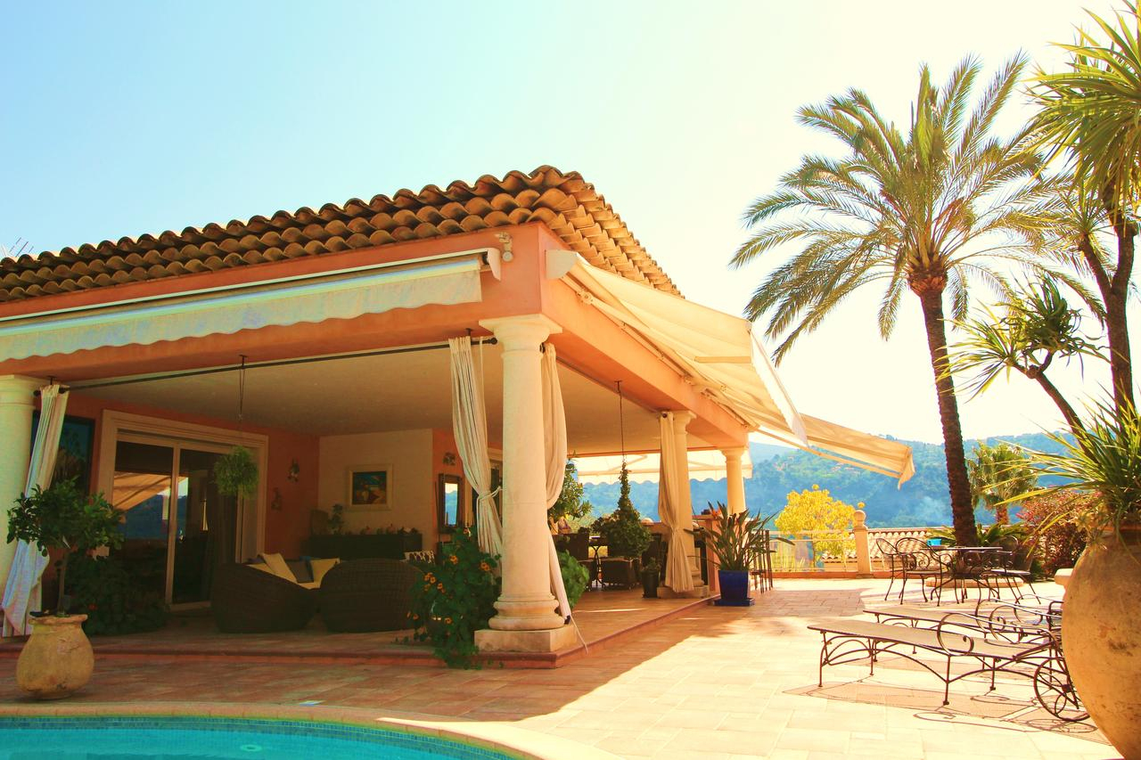 Villa Avec Piscine, Carros, France - Booking tout Piscine Carros