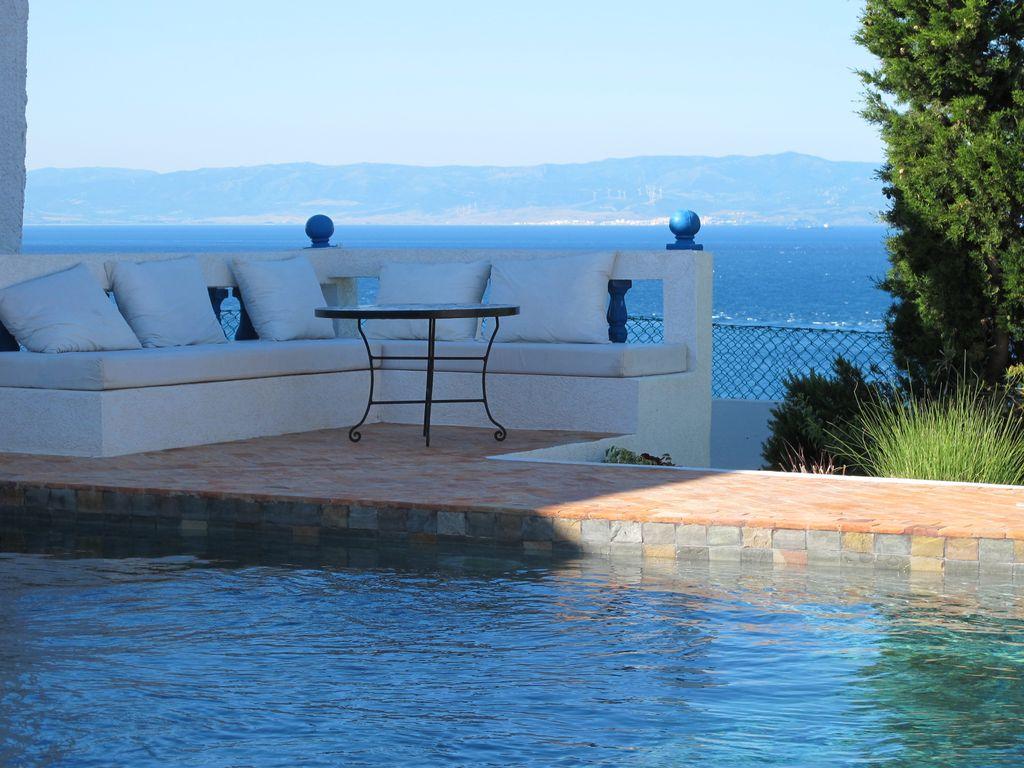 Villa Avec Piscine Et Vue Époustouflante Sur Les Hauteurs De Tanger - Tanger dedans Location Maison Vacances Avec Piscine Privée Pas Cher Particulier