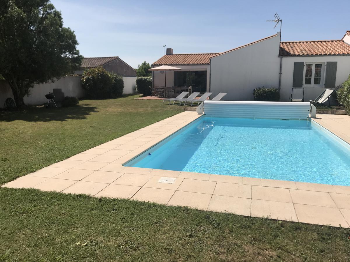 Villa Avec Piscine La Noue-Sainte Marie De Ré, Sainte-Marie ... destiné Piscine Sainte Genevieve Des Bois