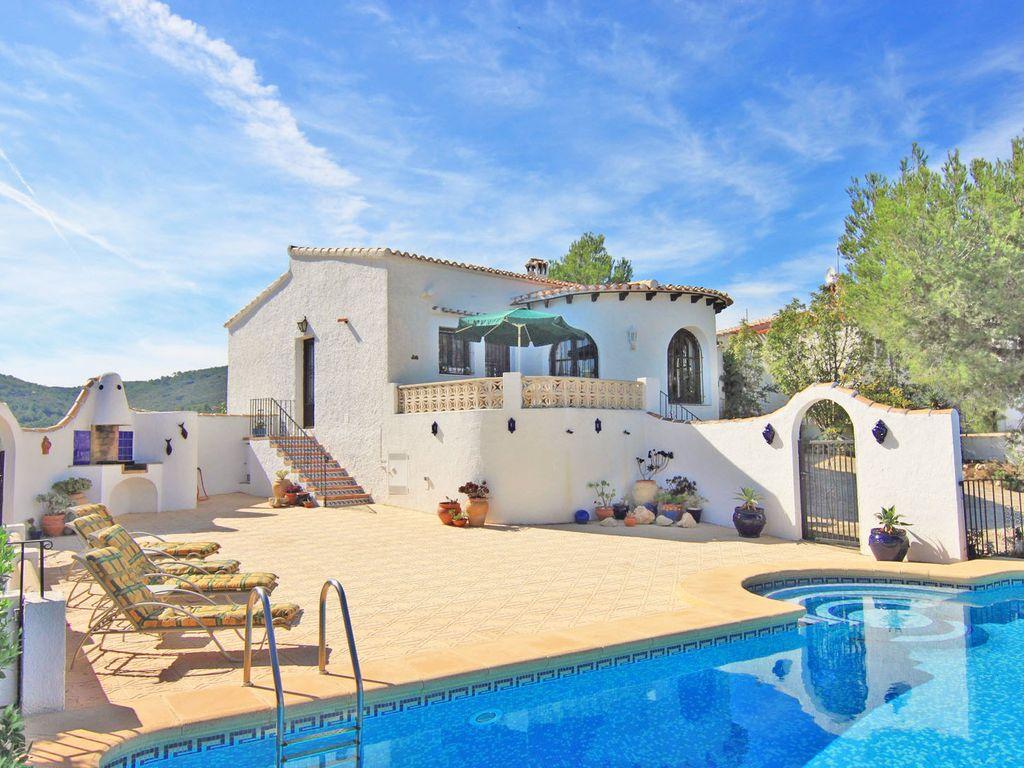 Villa Avec Piscine Privée Et Une Fantastique Vue Sur Le Montgo Et Javea -  Jávea destiné Villa En Espagne Avec Piscine