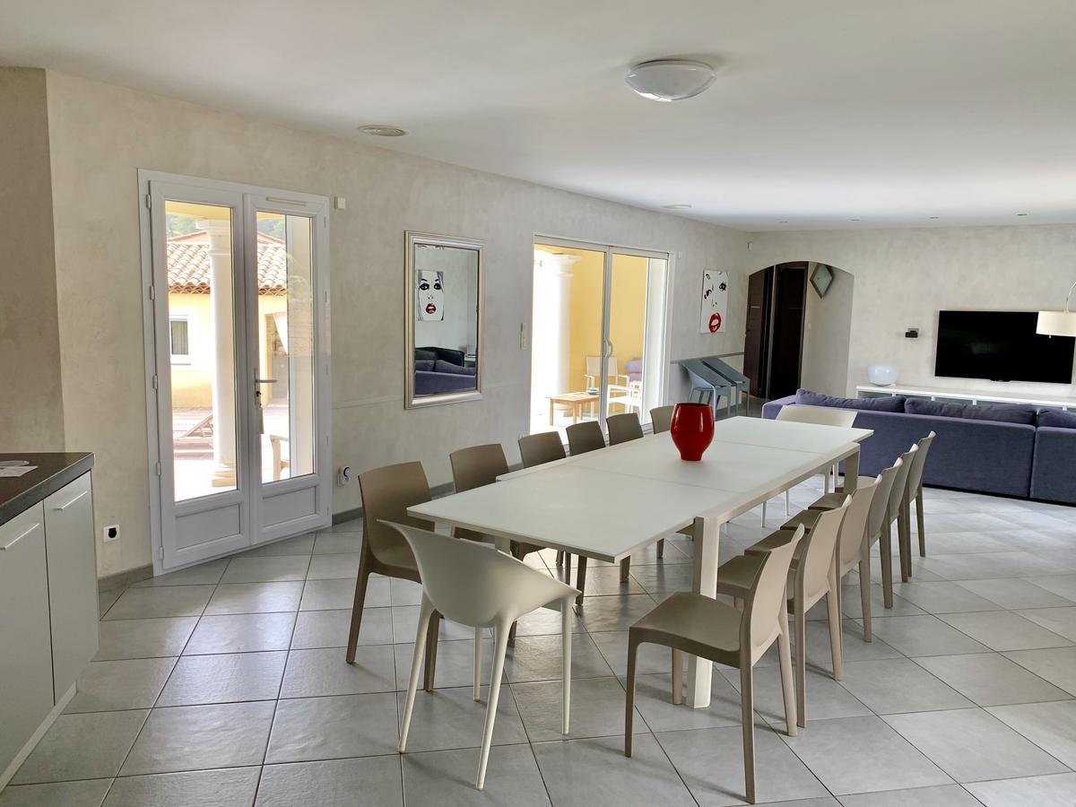 Villa Casalive, Solliès-Pont, France - Booking encequiconcerne Cash Piscine Sollies Pont