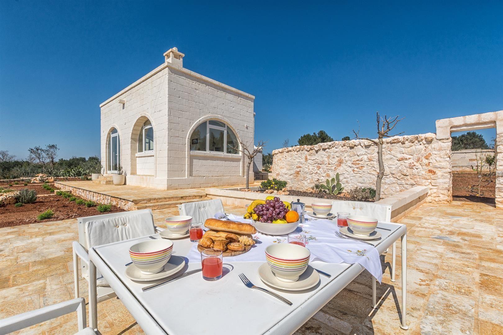 Villa Cristina Location De Vacances - Couchages 6 Dans 3 ... avec Location Maison Piscine Privée Dernière Minute
