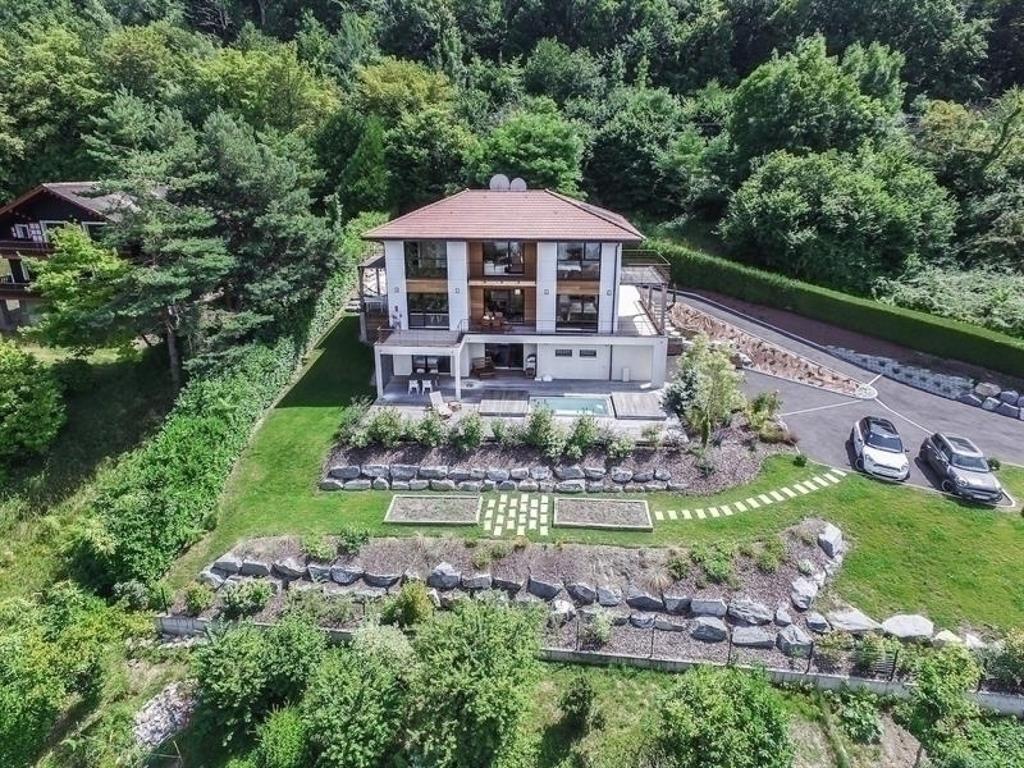 Villa De 6 Chambres Avec Piscine Balnéo Et Vue Imprenable ... dedans Piscine Amphion