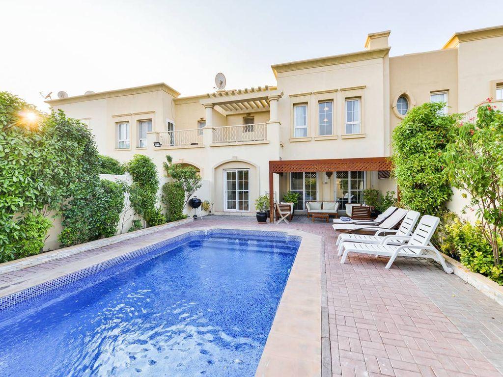 Villa De Luxe 4 Chambres | Piscine Privée | Vues Sur Le Lac | À Seulement  10 Minutes De La Marina De Dubaï - Emirates Hills avec Location Maison Piscine Privée Dernière Minute