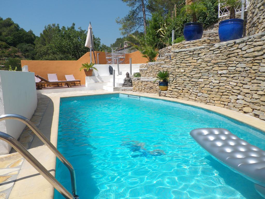 Villa Du Sud, Solliès-Toucas, France - Booking encequiconcerne Cash Piscine Sollies Pont