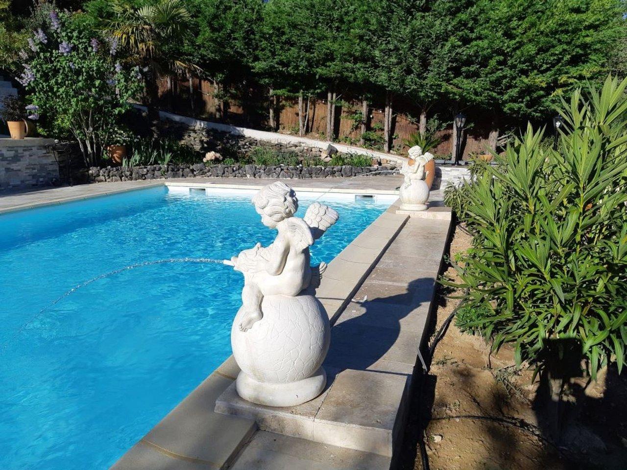 Villa La Licorne - Prices & Pension Reviews (Belcodene ... pour Piscine Frais Vallon