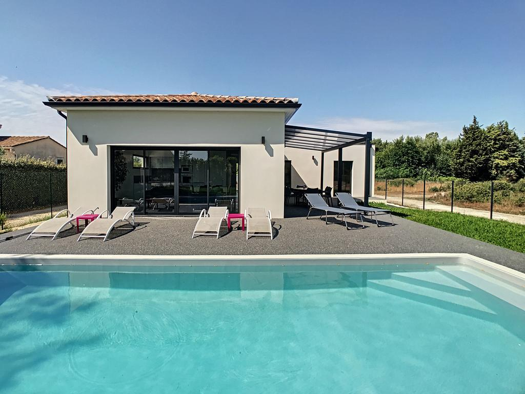 Villa Neuve Piscine Climatisation, Villa Cabannes encequiconcerne Piscine Montfavet