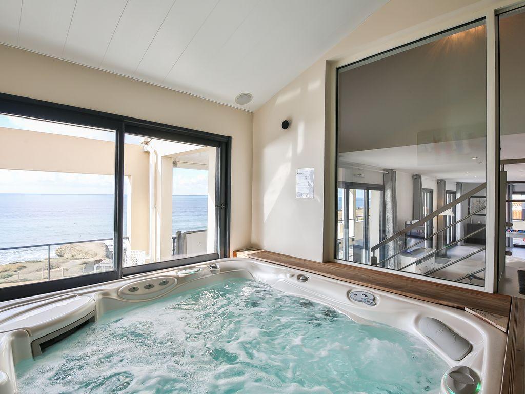 Villa (Penthouse Duplex) Piscine Intérieure Et Spa Privés, Billard, Vue Mer  180° - Saint-Hilaire-De-Riez pour Location Maison Avec Piscine Intérieure Et Jacuzzi