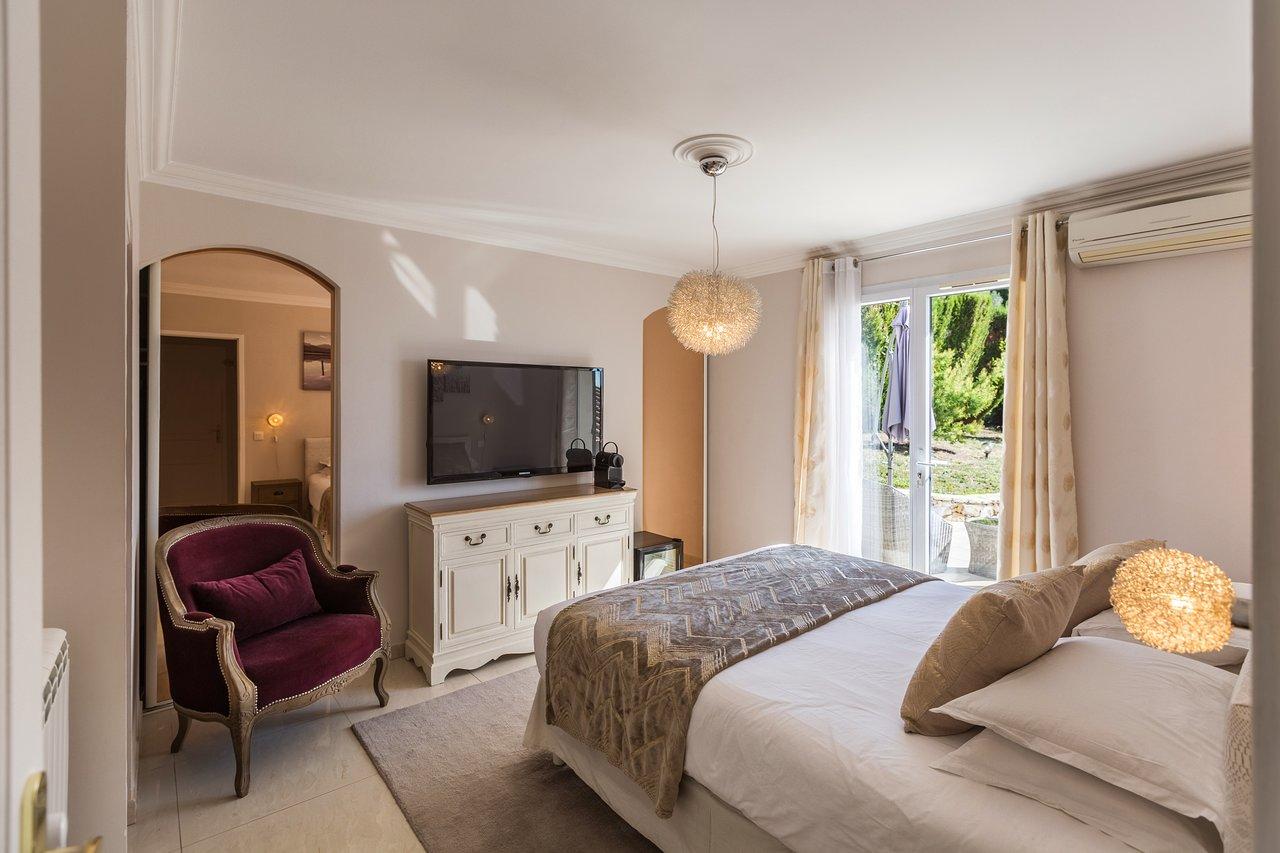 Villa Stephanie $91 ($̶1̶0̶0̶) - Prices & Guest House ... tout Piscine Campelières