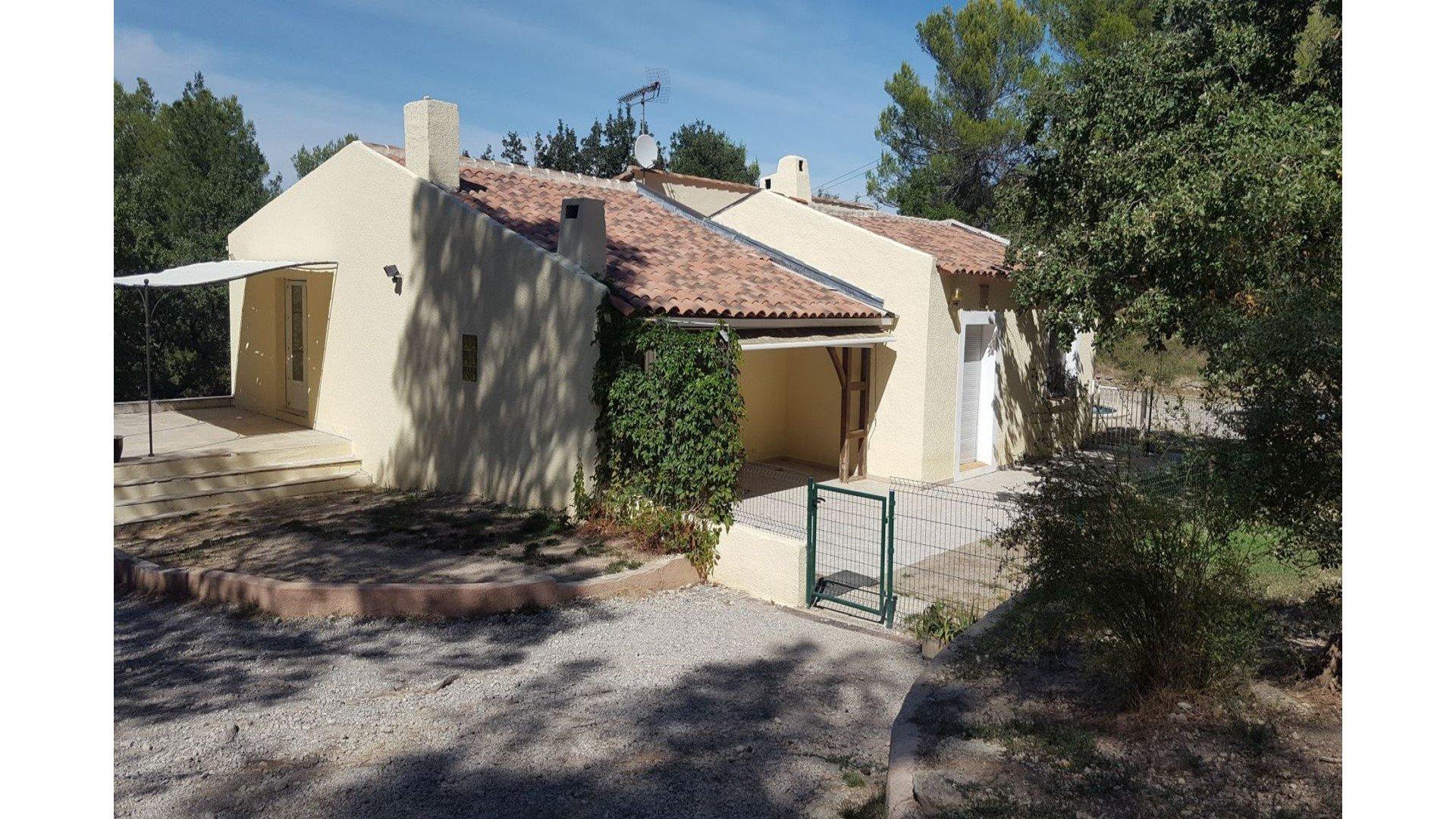 Villa T7 + T2 Sur 7868 M² De Terrain Avec Piscine tout Piscine Fuveau