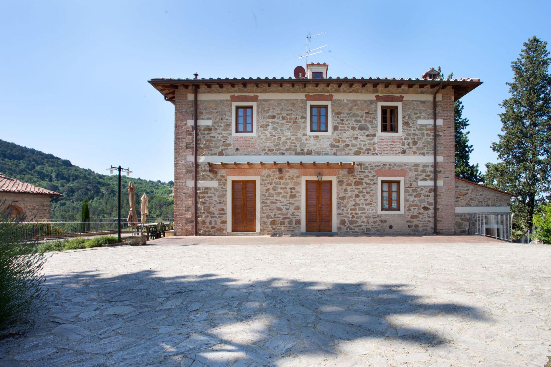 Villa Terrazza Location De Vacances - Couchages 18 Dans 8 ... intérieur Location Maison Piscine Privée Dernière Minute
