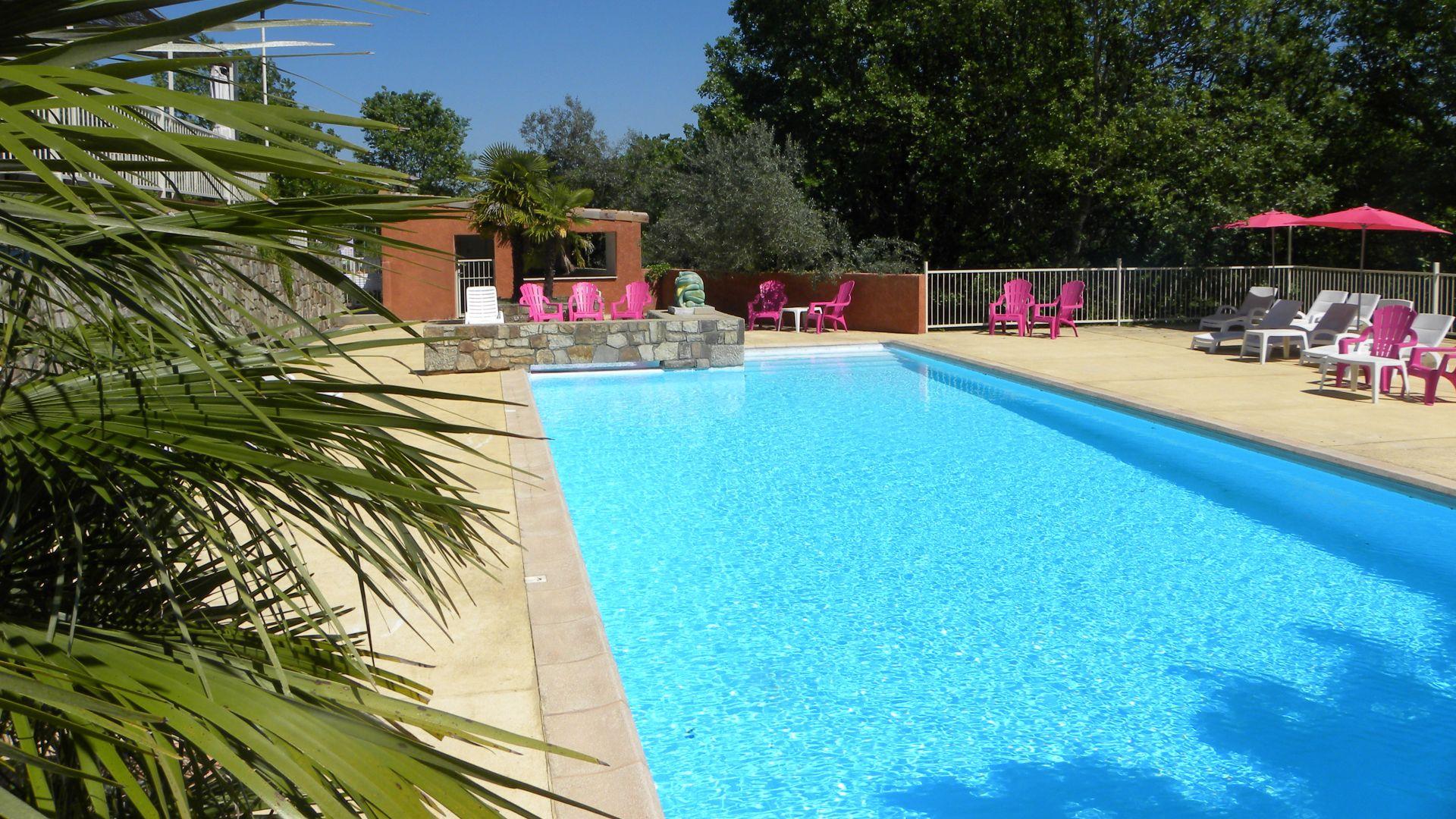 Village De Gites Avec Piscine À Joyeuse En Sud Ardèche à Hotel Ardeche Avec Piscine
