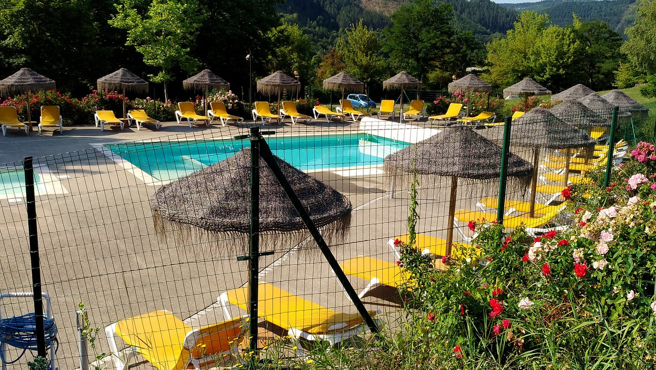 Village De Gites Le Colombier - Condominium Reviews (Mende ... à Piscine Du Colombier