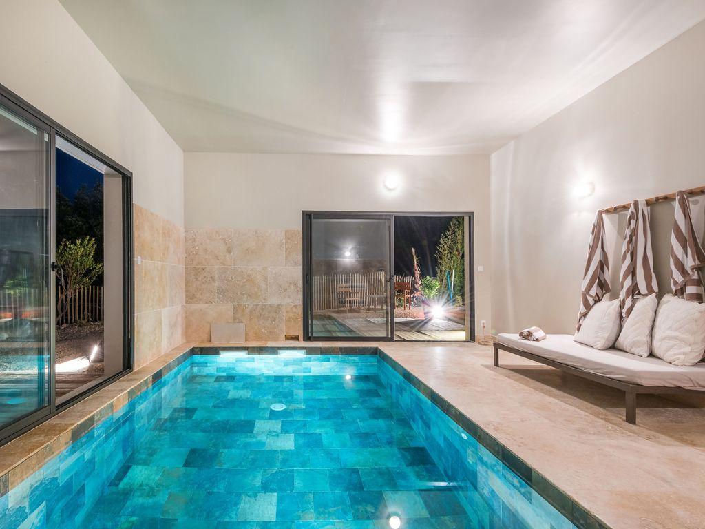 Villas Empreinte : Villa Célestine 10 Pers. Piscine Intérieure Chauffée -  Saint-Siffret à Location Maison Piscine Intérieure