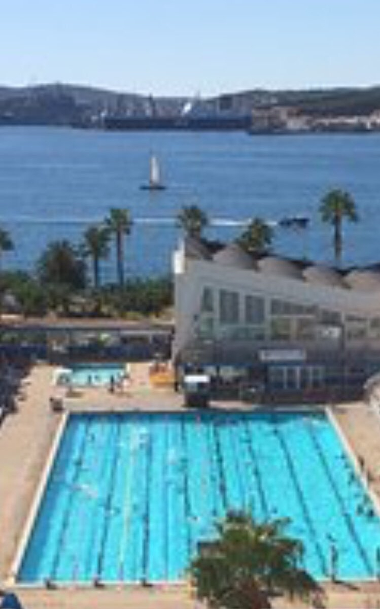 """Viviane Driquez Twitterissä: """"piscine Du Port Marchand À ... pour Piscine Port Marchand"""