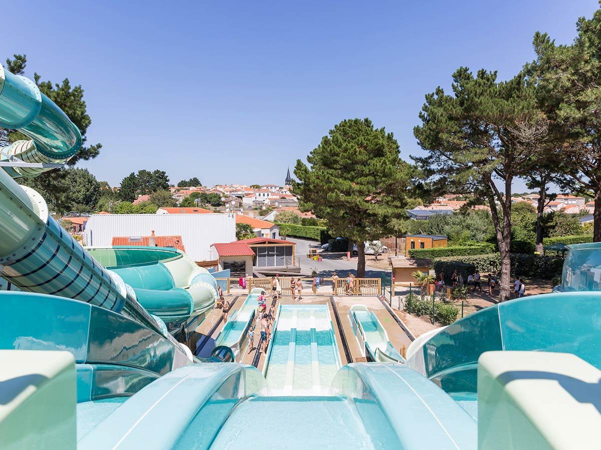 Vos Vacances Dans Un Camping Avec Toboggan Aquatique En Vendée pour Piscine Mortagne Sur Sèvre