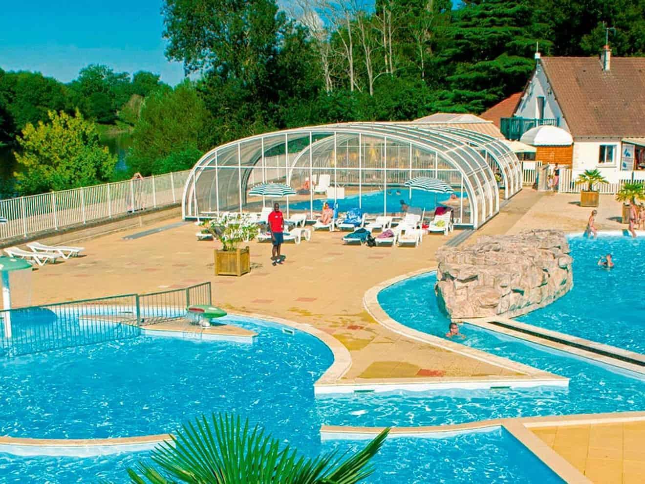 Vos Vacances En Touraine, En Camping Au Bord De La Piscine ... à Piscine Chateau Renault