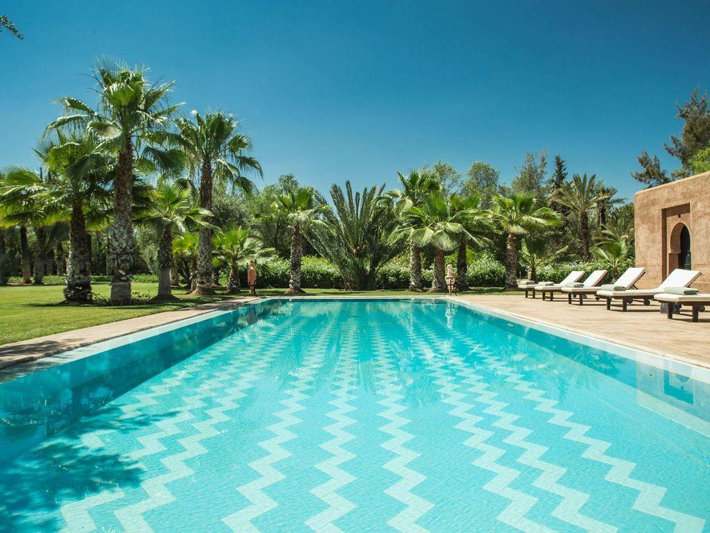 Votre Oasis Privée Vous Attend.. #marrakech #kech #riad ... serapportantà Riad Marrakech Avec Piscine