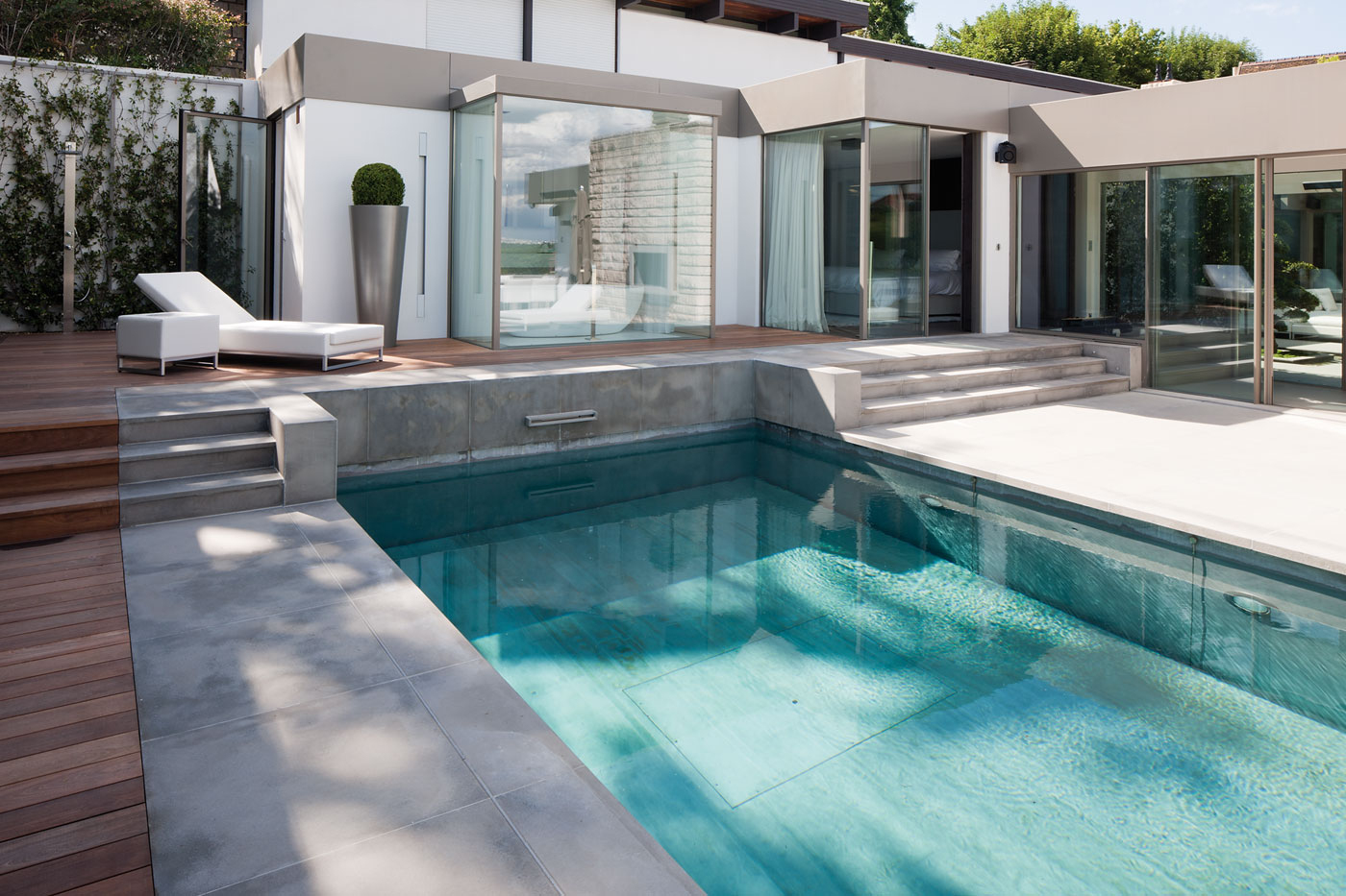 Weeeze : Producer Of Minimal Doors And Windows For ... pour Piscine Saint Cloud