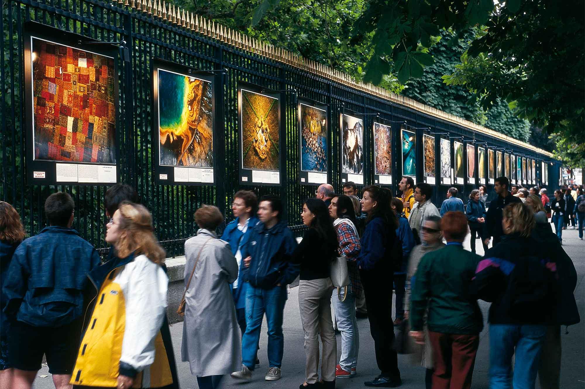 Yann Arthus-Bertrand Photo | Outdoor Exhibitions | Official tout Piscine Square Du Luxembourg