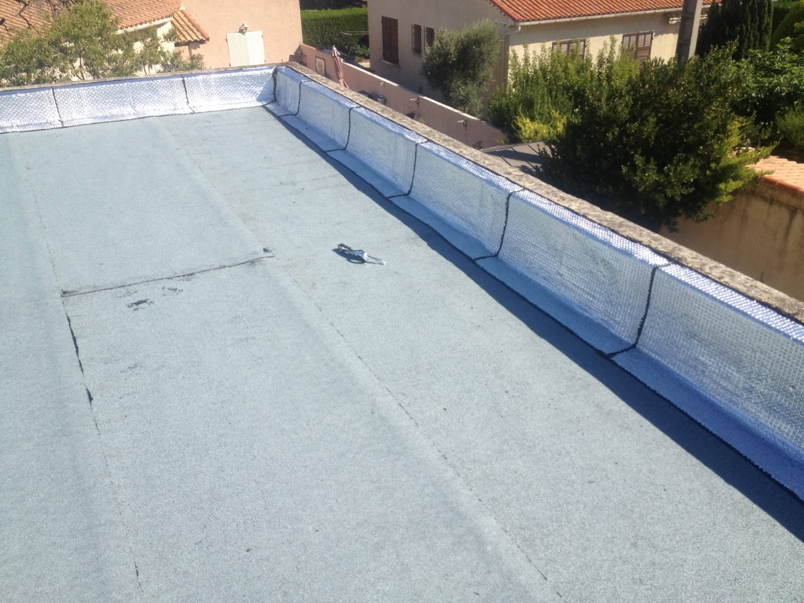 4 Astuces Pour Le Nettoyage De Votre Toiture De Terrasse ... concernant Etancheite Toit Terrasse Goudron