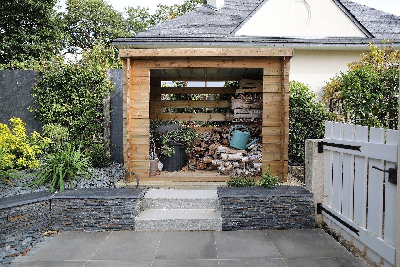 Abri De Jardin / Bucher En Bois Muret De Soutènement En ... dedans Abri De Jardin Avec Bucher